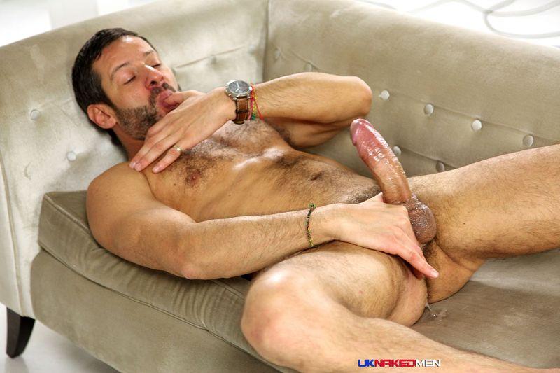 Sample of muscular gay video