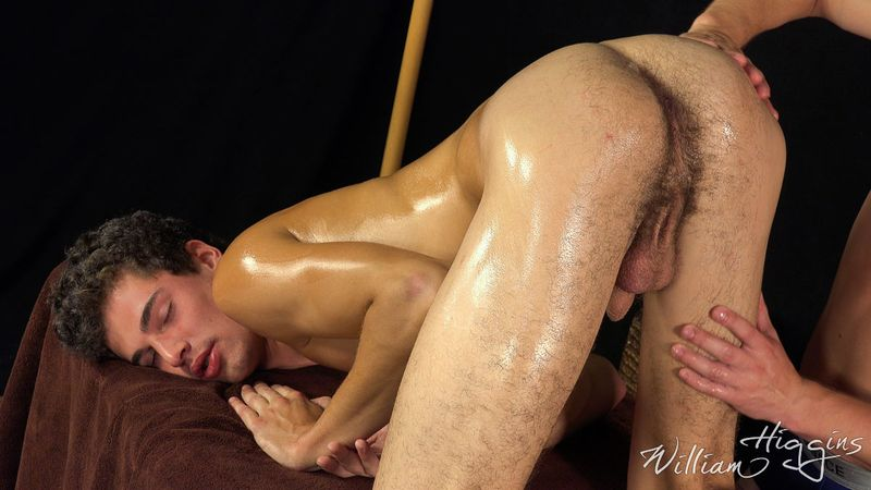 Red wet asian pussy